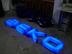 ışıklı pleksi kutu harf